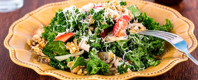 Kale and turkey salad